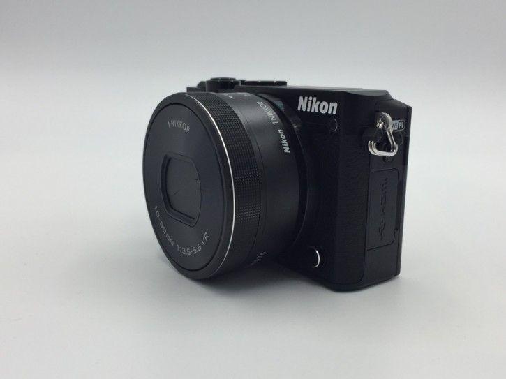 Nikon 1 J5 Kit 10-30mm schwarz